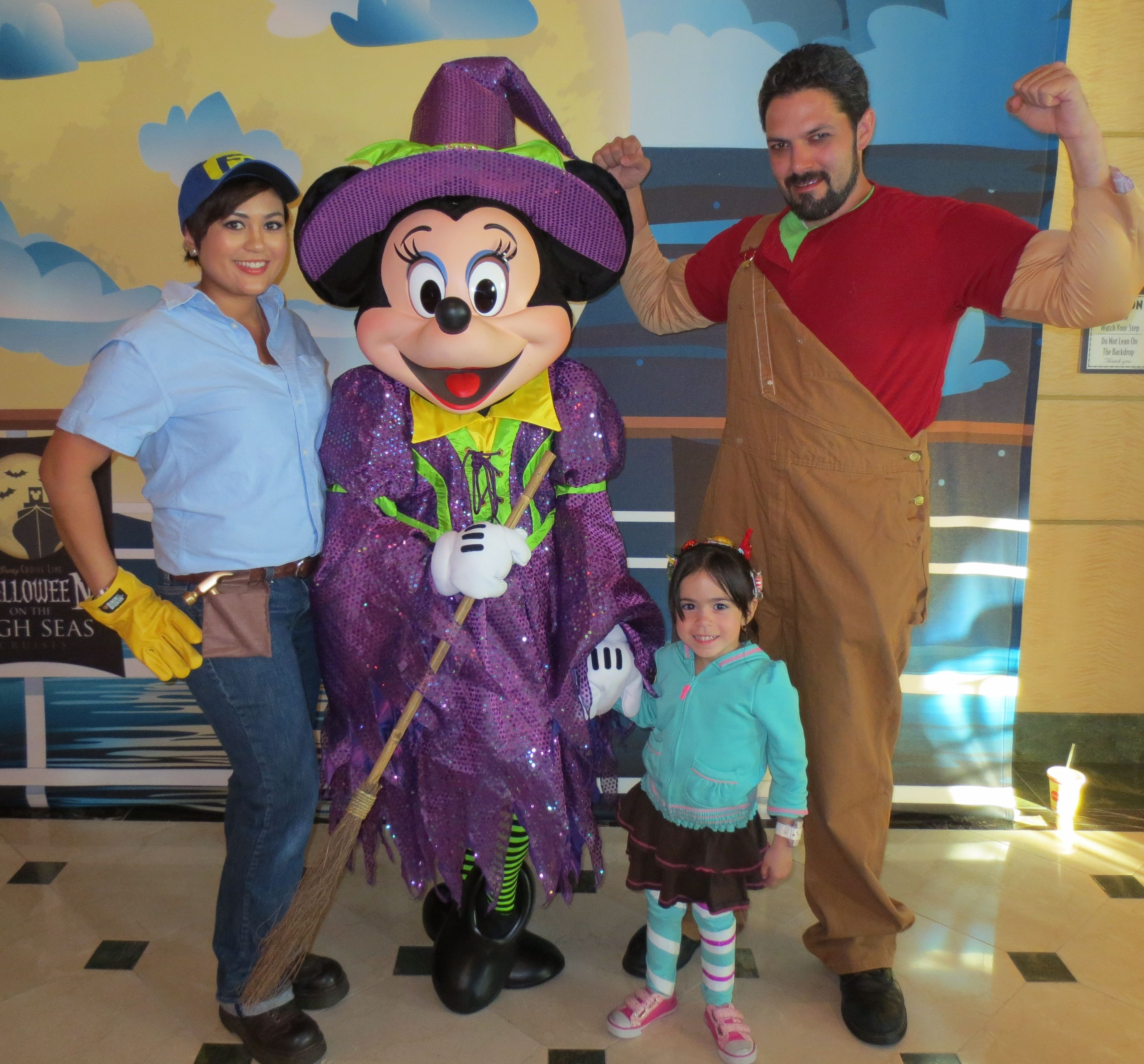 Best ideas about DIY Wreck It Ralph Costume . Save or Pin DIY Wreck It Ralph Family Costume Holidays Now.