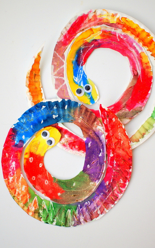 Best ideas about Easy Art For Preschoolers . Save or Pin Easy and Colorful Paper Plate Snakes Now.