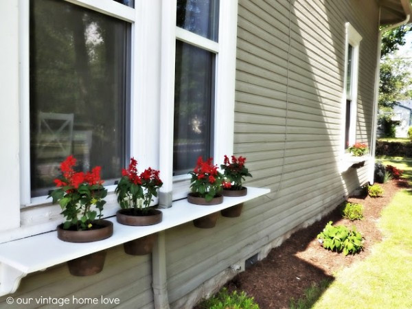 Best ideas about Easy DIY Window Boxes . Save or Pin Remodelaholic Now.