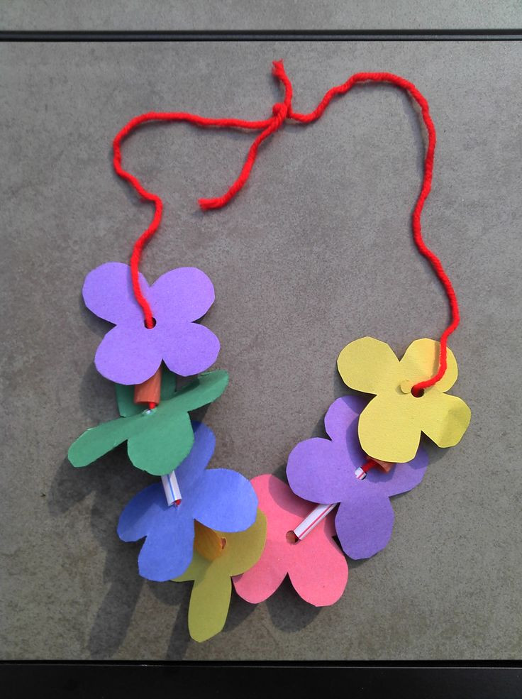 Best ideas about Easy Kids Crafts . Save or Pin Lei Can be made with construction paper yarn & solid Now.