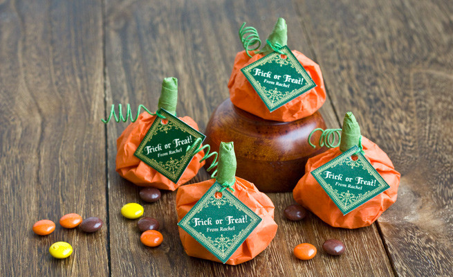 Best ideas about Fall Wedding Favors DIY . Save or Pin 24 Cool And Inexpensive DIY Autumn Wedding Favors Now.