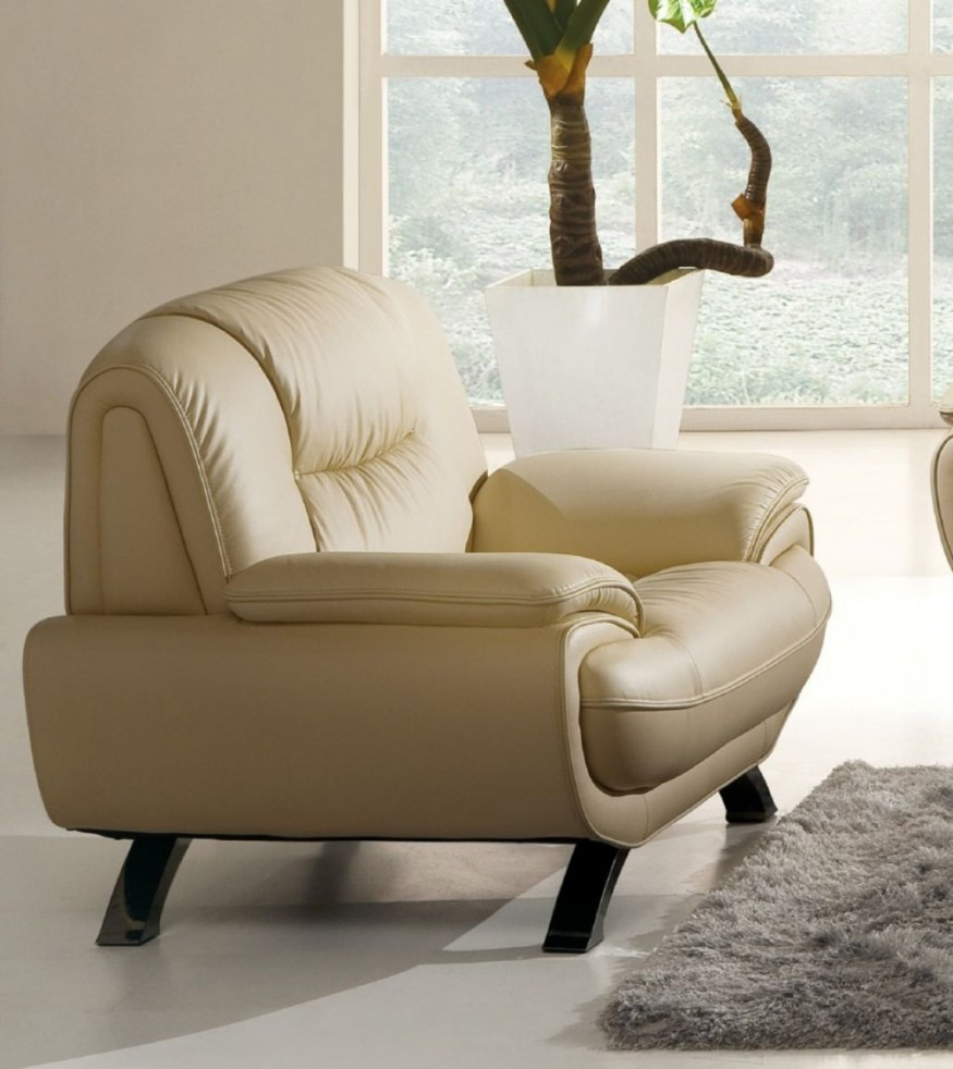 Best ideas about Family Room Chairs . Save or Pin fortable Chairs for Living Room Now.