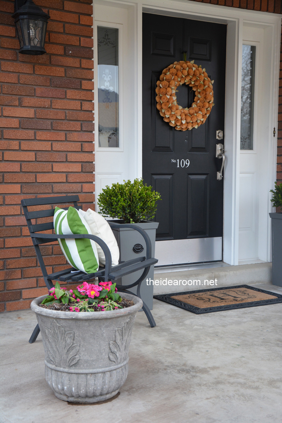 Best ideas about Front Porch Planter Ideas . Save or Pin DIY Porch Planter Now.