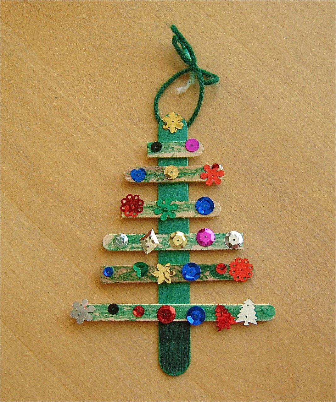 Best ideas about Holiday Craft Idea For Kids . Save or Pin Christmas Tree Craft Now.
