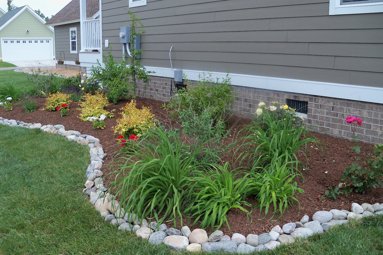 Best ideas about Landscape Edging Stones . Save or Pin Edging design ideas Now.
