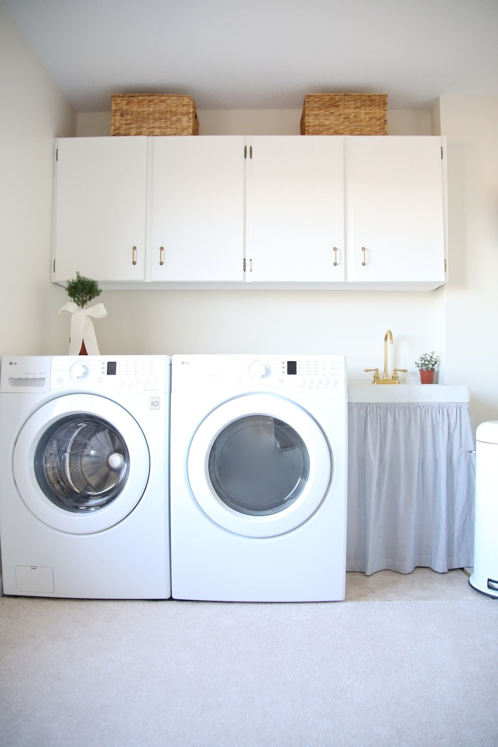 Best ideas about Laundry Room Decor . Save or Pin Laundry Room Decor Now.