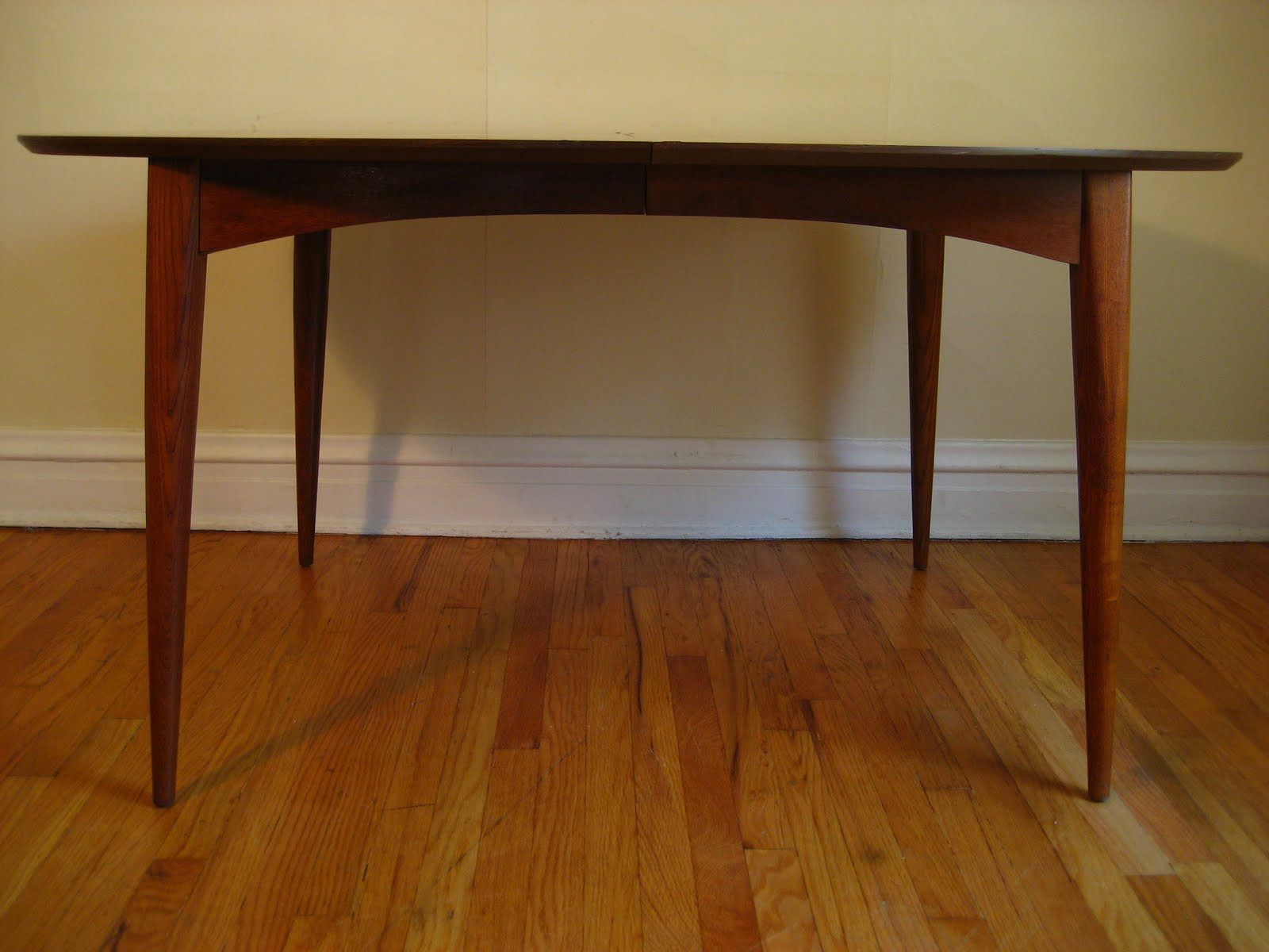 Best ideas about Mid Century Modern Dining Table . Save or Pin flatout design Mid Century Modern Dining Table Now.