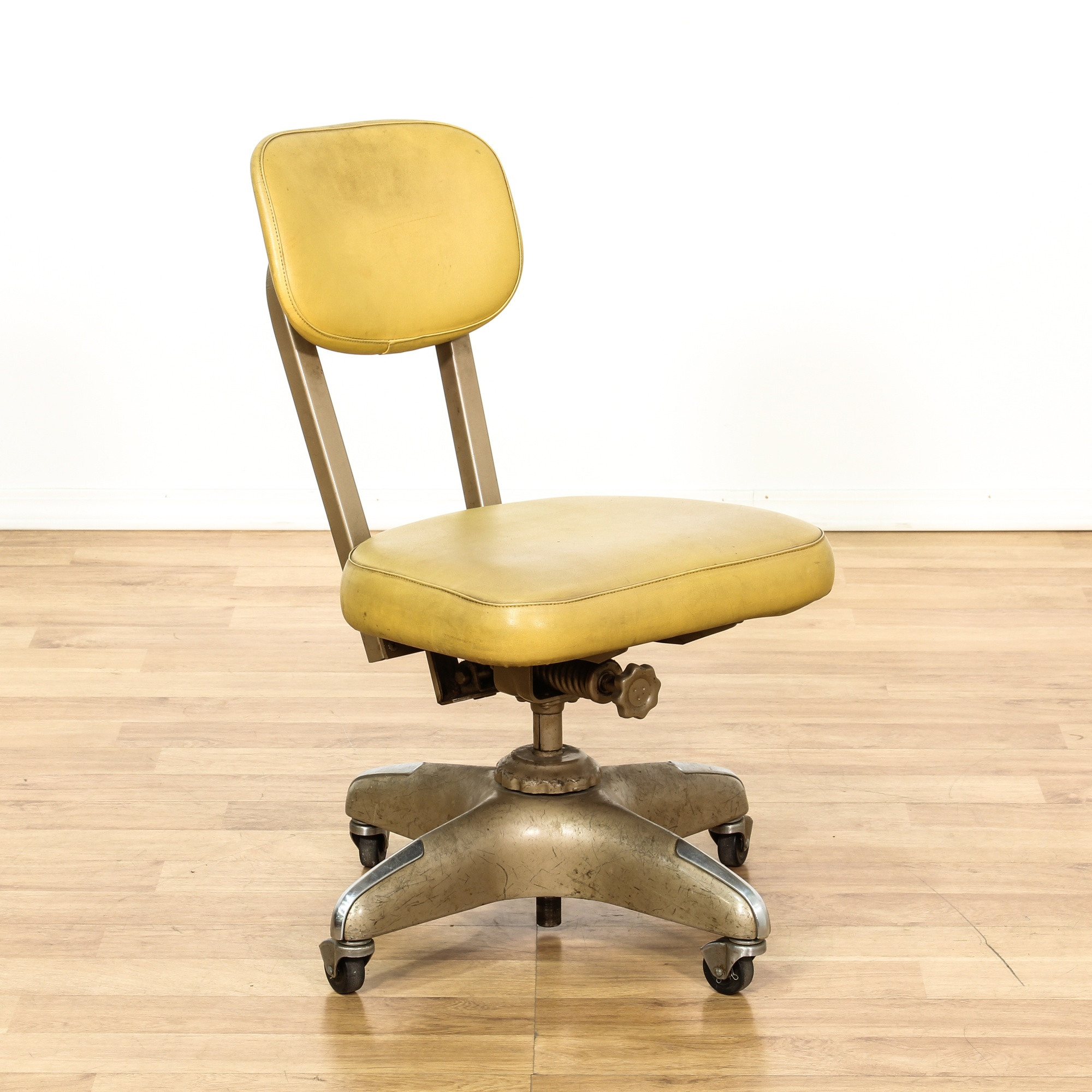 Best ideas about Mid Century Office Chair . Save or Pin Mid Century fice Swivel Desk Chair Now.