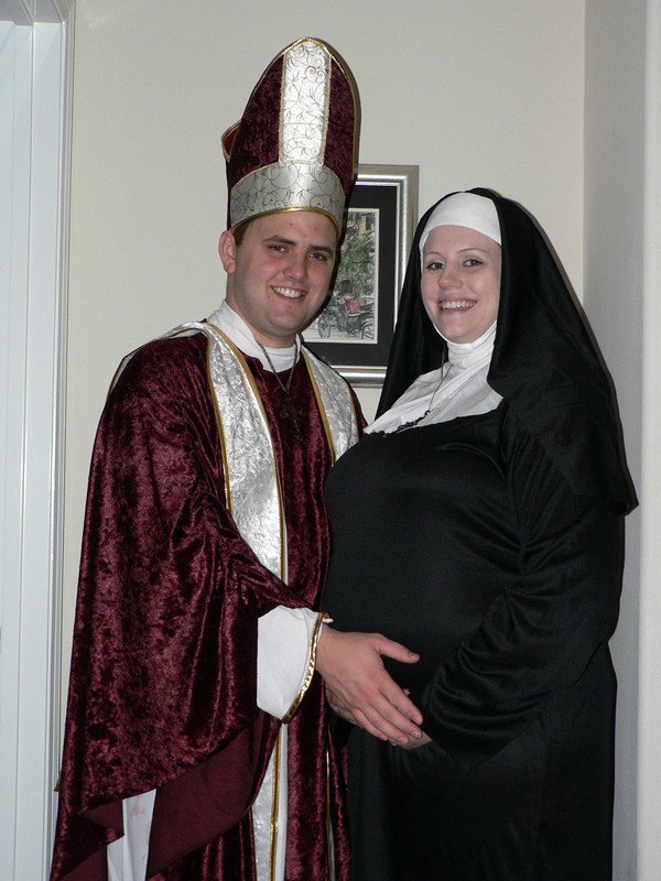 Best ideas about Nun Costume DIY . Save or Pin Top DIY & Storebought Halloween Costumes For A Pregnant Now.