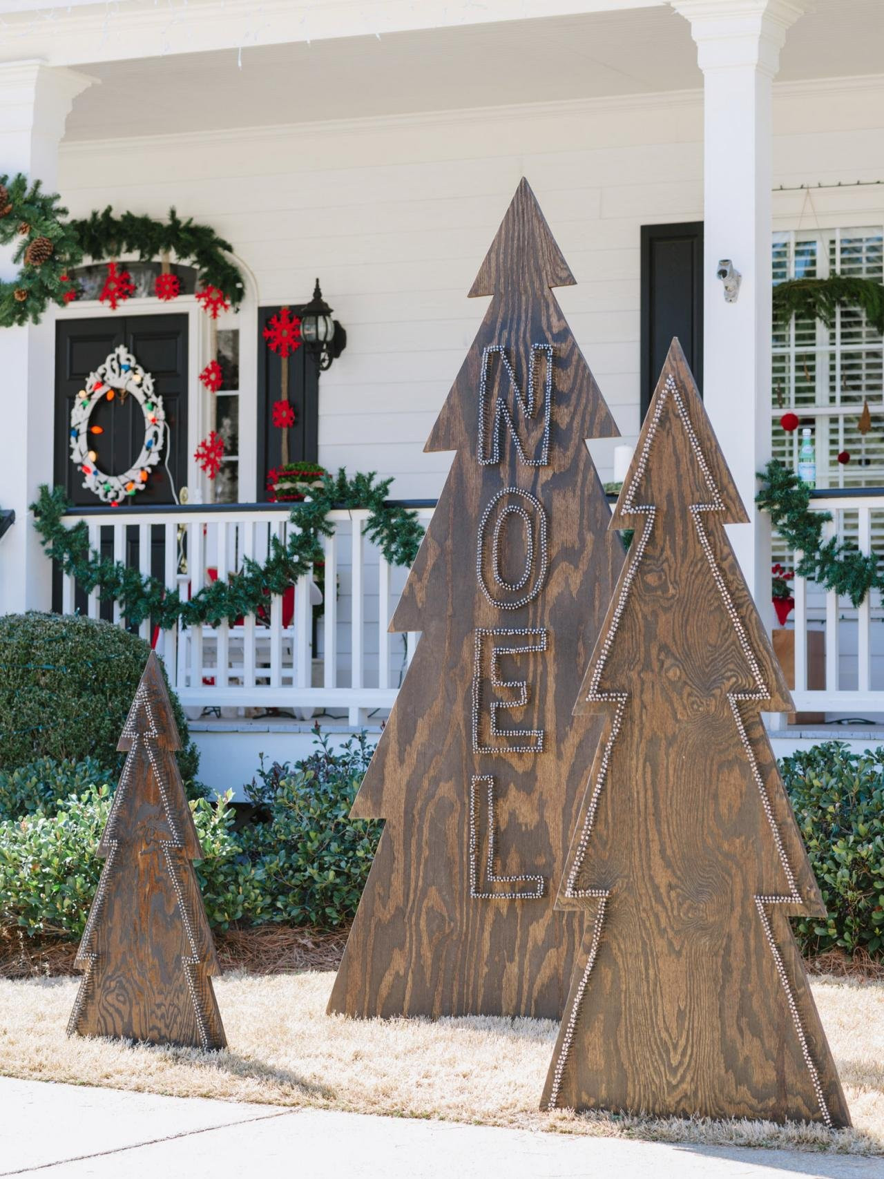 Best ideas about Outdoor Christmas Decor . Save or Pin 30 Best Outdoor Christmas Decorations Ideas Now.