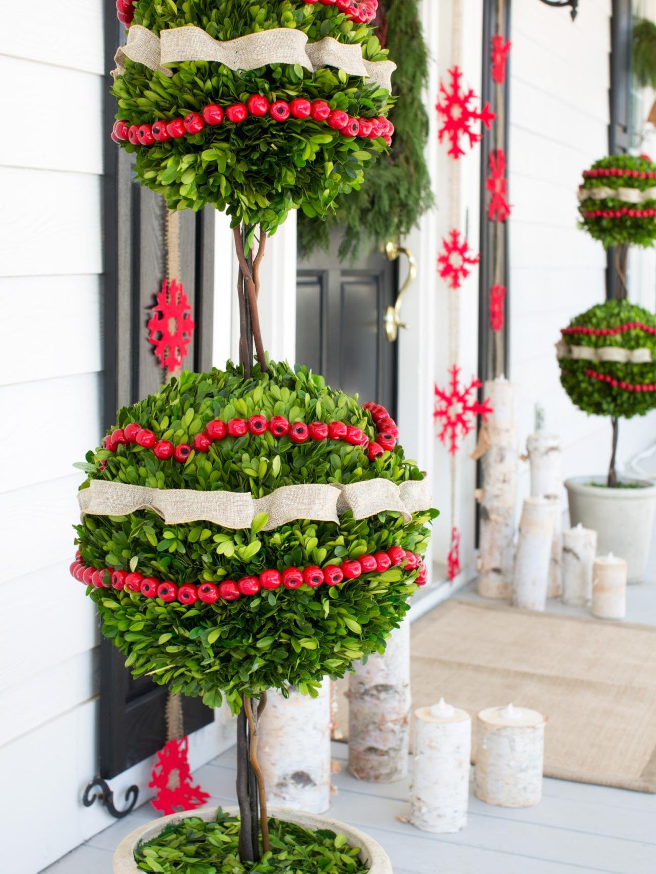 Best ideas about Outdoor Christmas Decor . Save or Pin 50 Best Outdoor Christmas Decorations for 2019 Now.