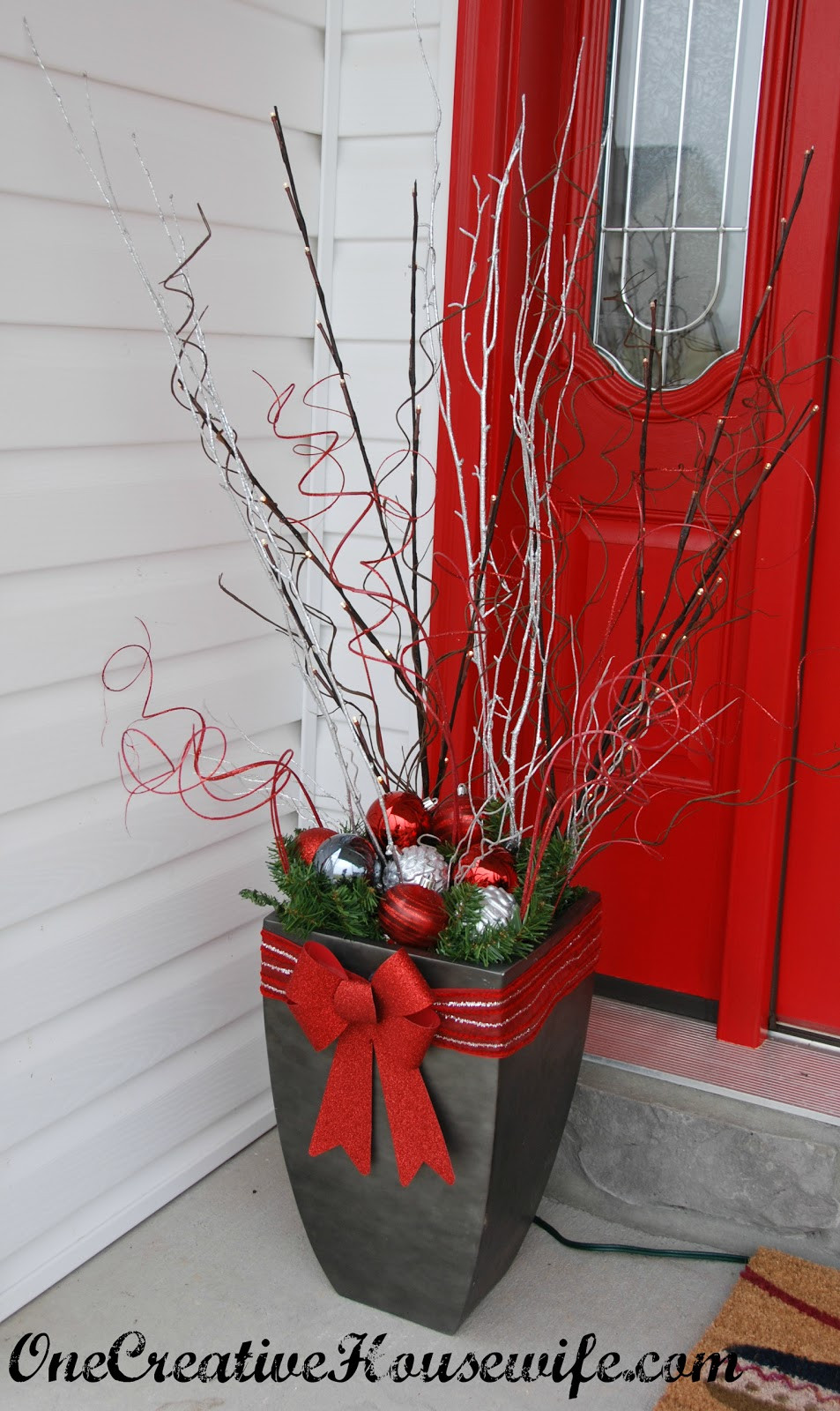 Best ideas about Outdoor Christmas Decor . Save or Pin e Creative Housewife My Outdoor Christmas Decorations Now.