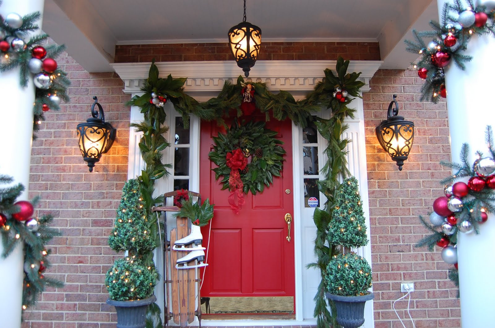 Best ideas about Outdoor Christmas Garland . Save or Pin 50 Best Outdoor Christmas Decorations for 2016 Now.
