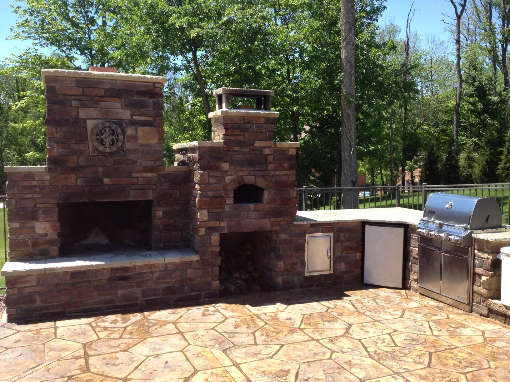 Best ideas about Outdoor Fireplace DIY . Save or Pin DIY Outdoor Fireplace and Pizza Oven bos Now.