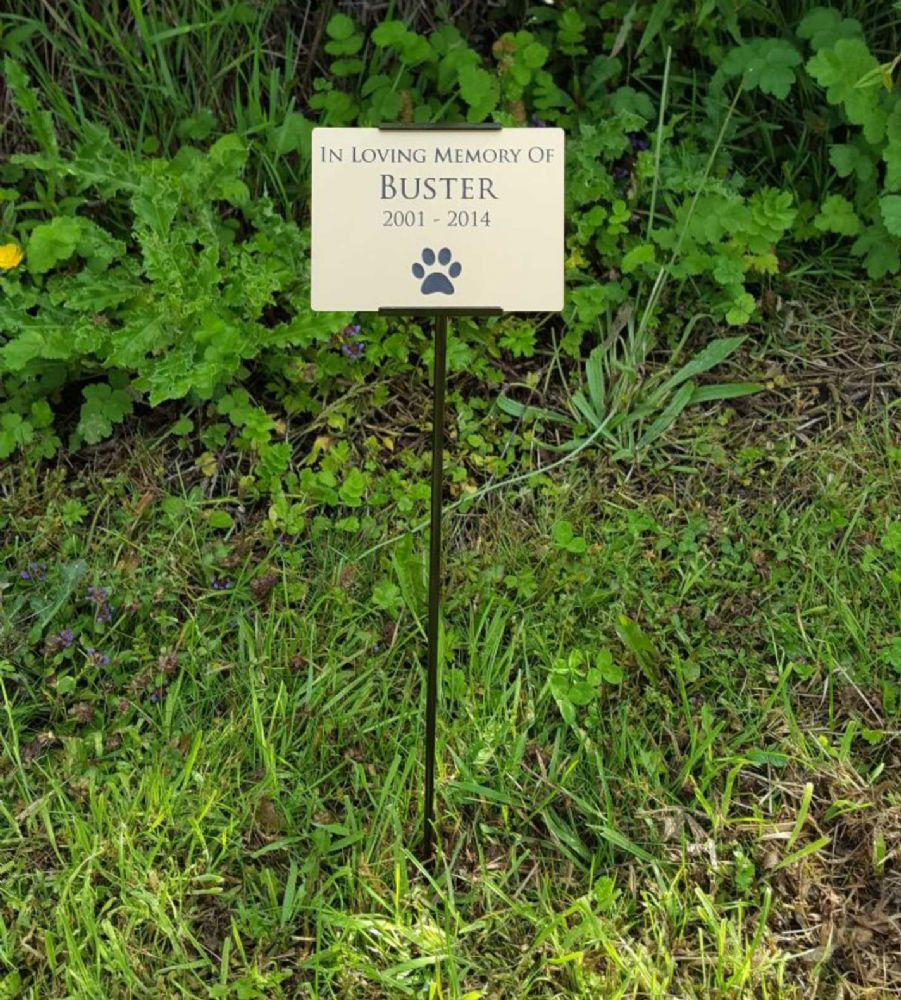 Best ideas about Outdoor Memorial Plaques . Save or Pin Outdoor Garden Stake Memorial Plaque Choose Your Text Now.