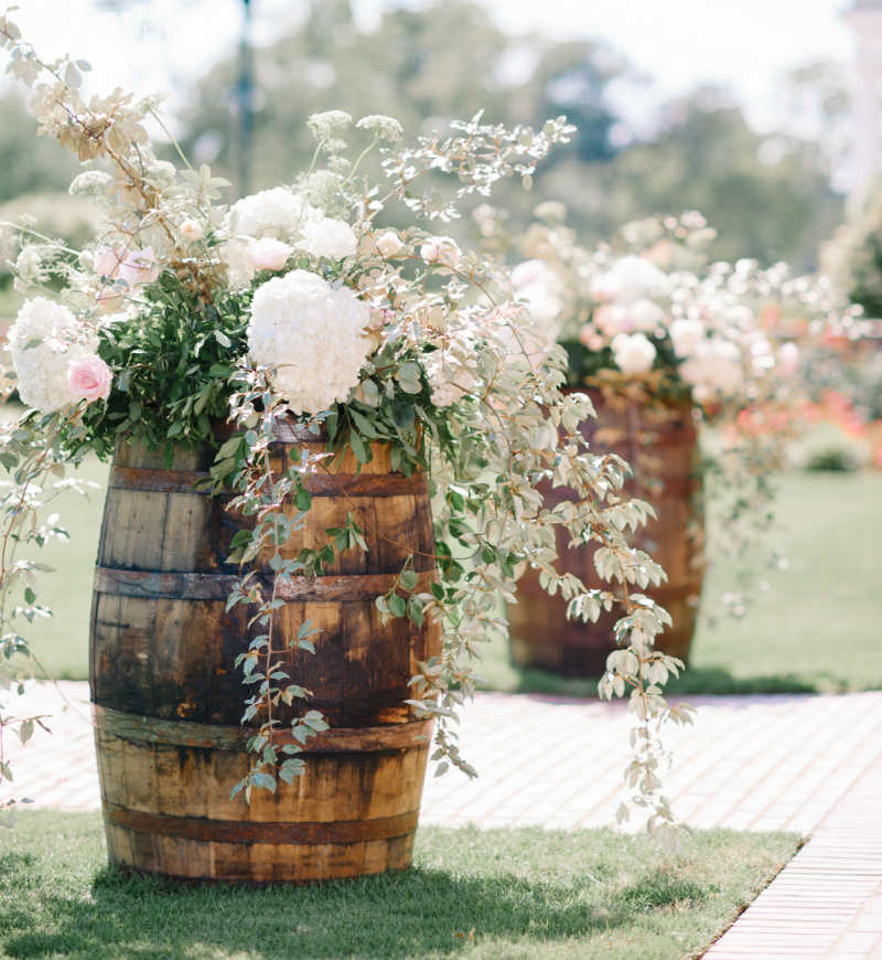 Best ideas about Outdoor Wedding Decorations . Save or Pin 24 Outdoor Wedding Decoration Ideas Now.