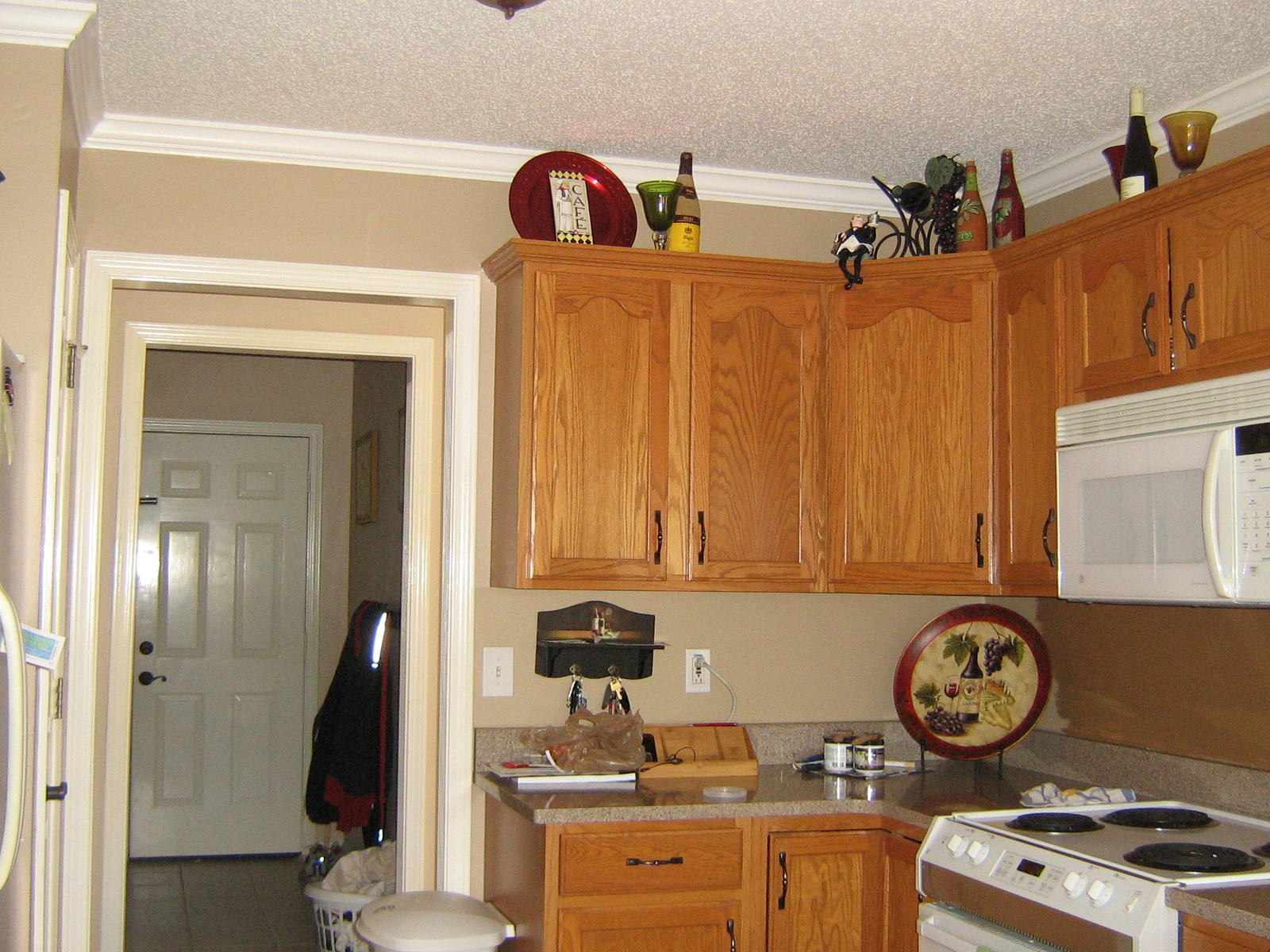 Best ideas about Paint Colors For Kitchen . Save or Pin PLEASE HELP choosing paint color for kitchen cabinets Now.