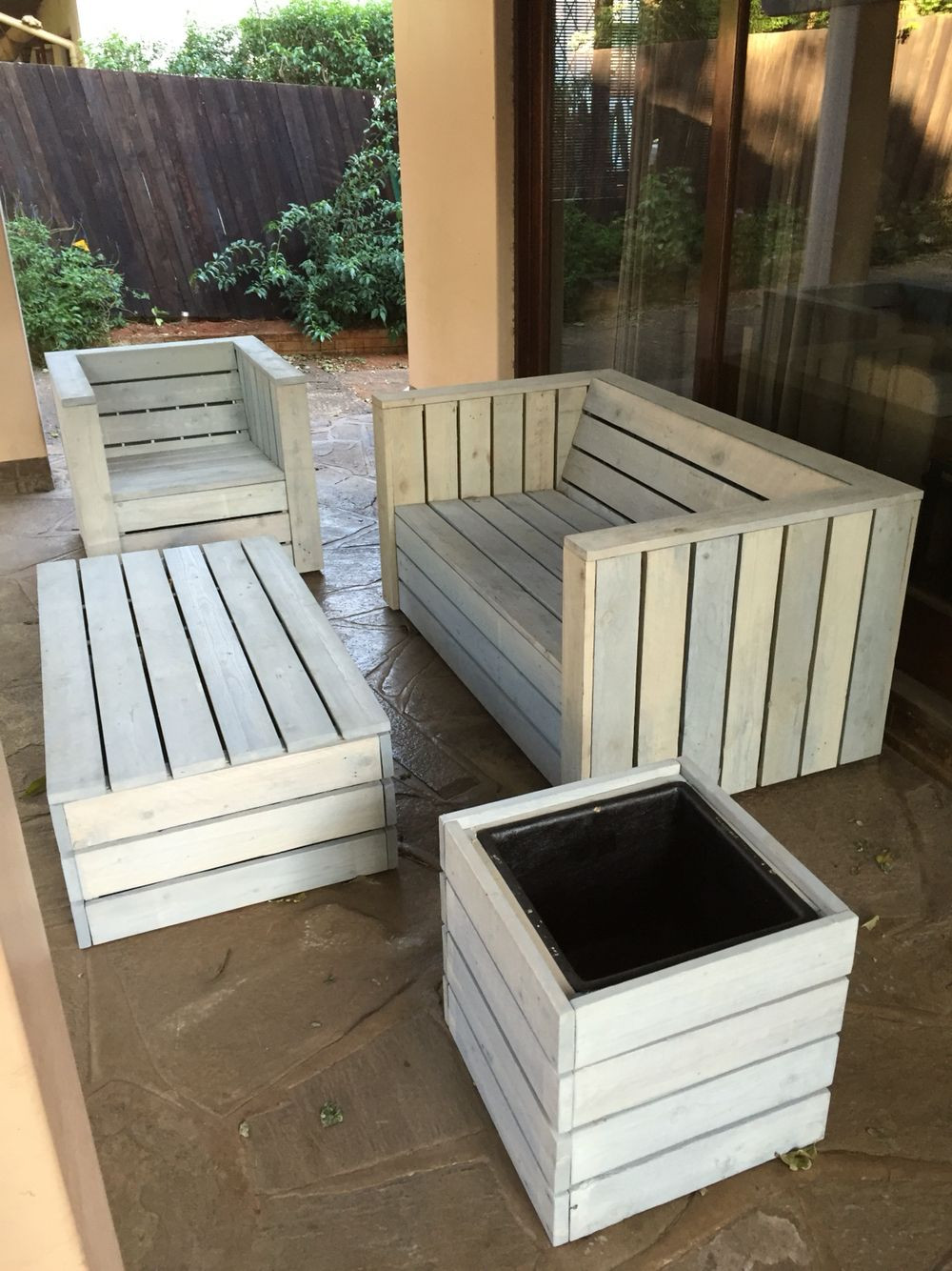 Best ideas about Pallet Patio Furniture . Save or Pin Pallet wood patio furniture set How To Build A Shed Out Now.