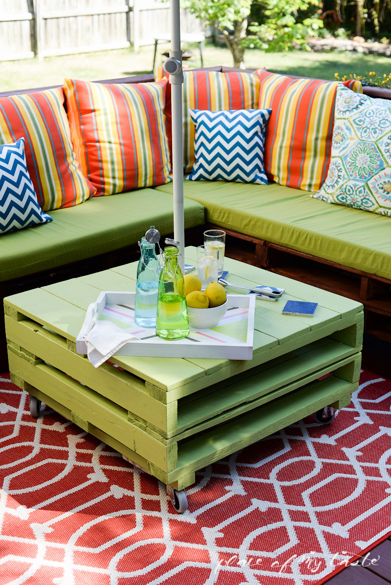 Best ideas about Pallet Patio Furniture . Save or Pin DIY PALLET FURNITURE Now.