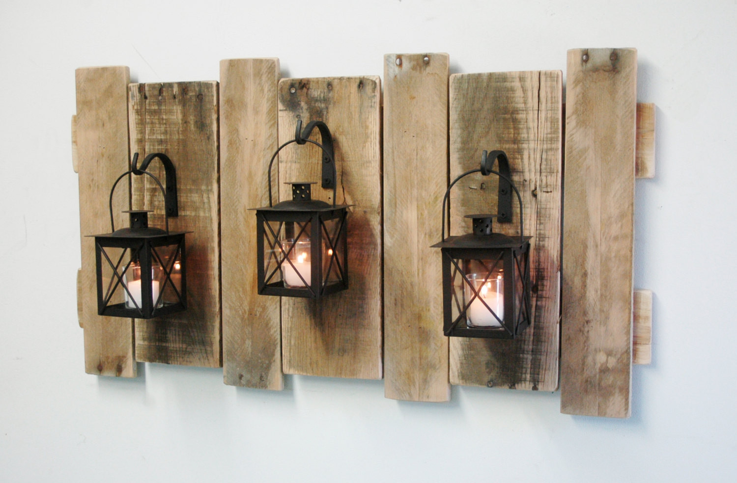 Best ideas about Pallet Wall Art . Save or Pin Farmhouse Style Pallet Wall Decor with Lanterns French Now.