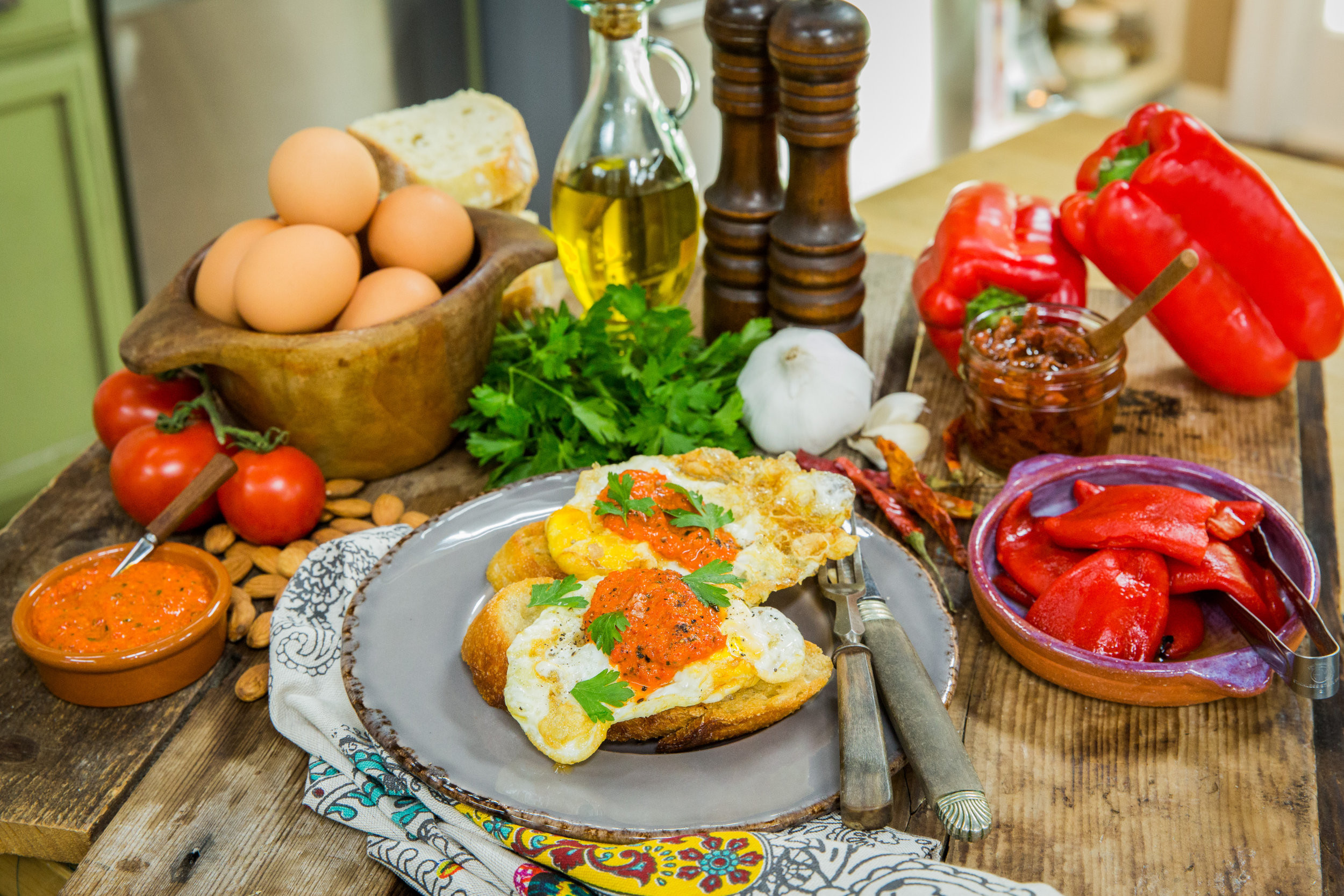 Best ideas about Pantry In Spanish . Save or Pin Recipe Home & Family Olive Oil Fried Eggs with Spanish Now.