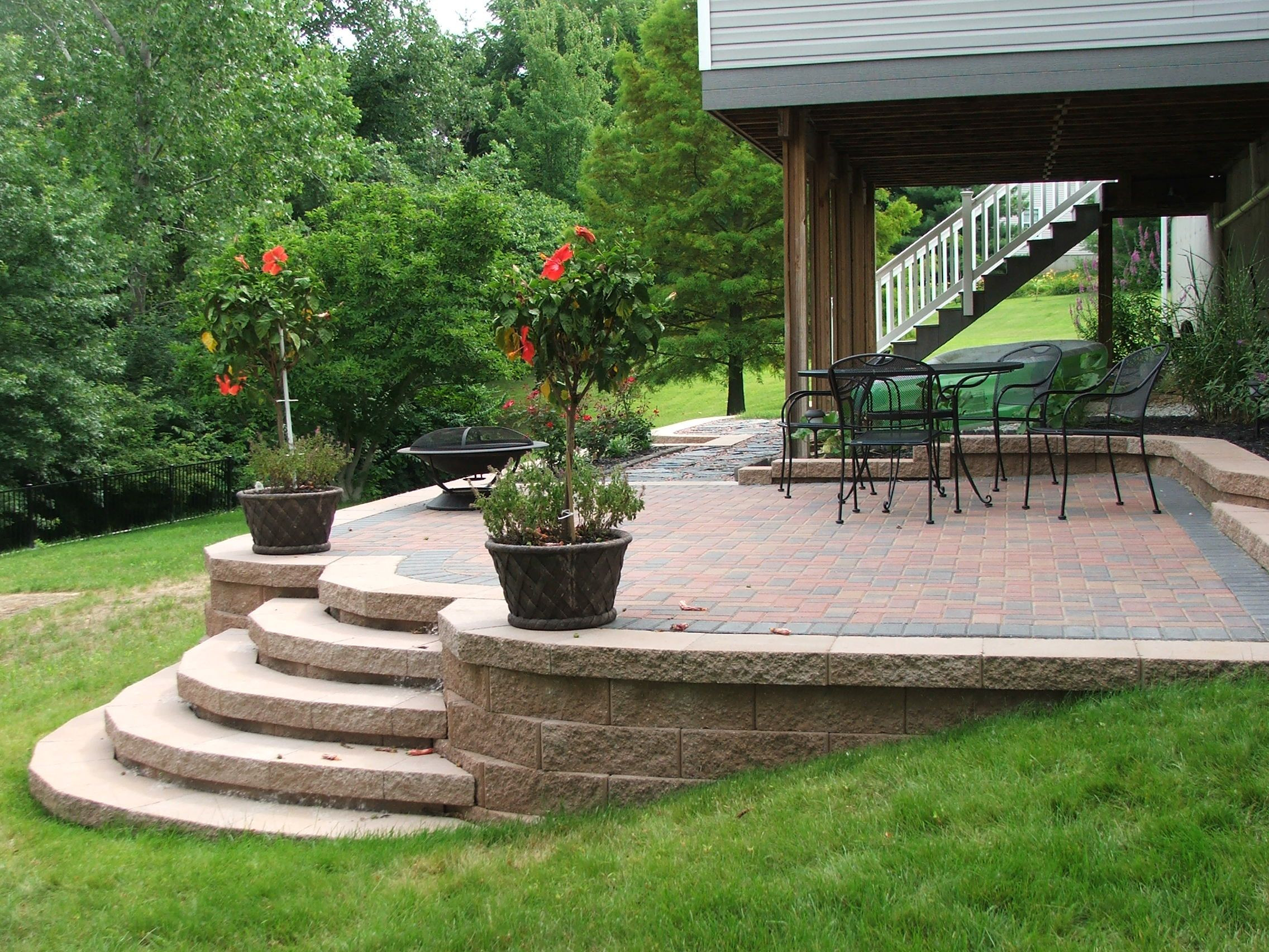 Best ideas about Patio Wall Ideas . Save or Pin concrete stairs yard Now.