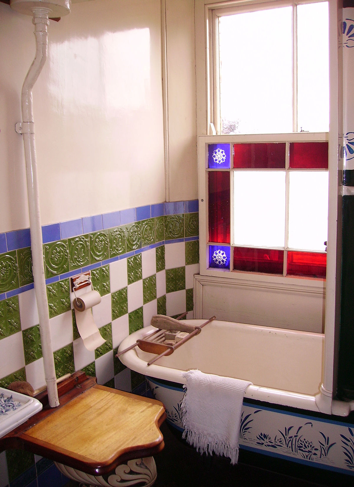 Best ideas about Pictures For Bathroom . Save or Pin bathroom Wiktionary Now.