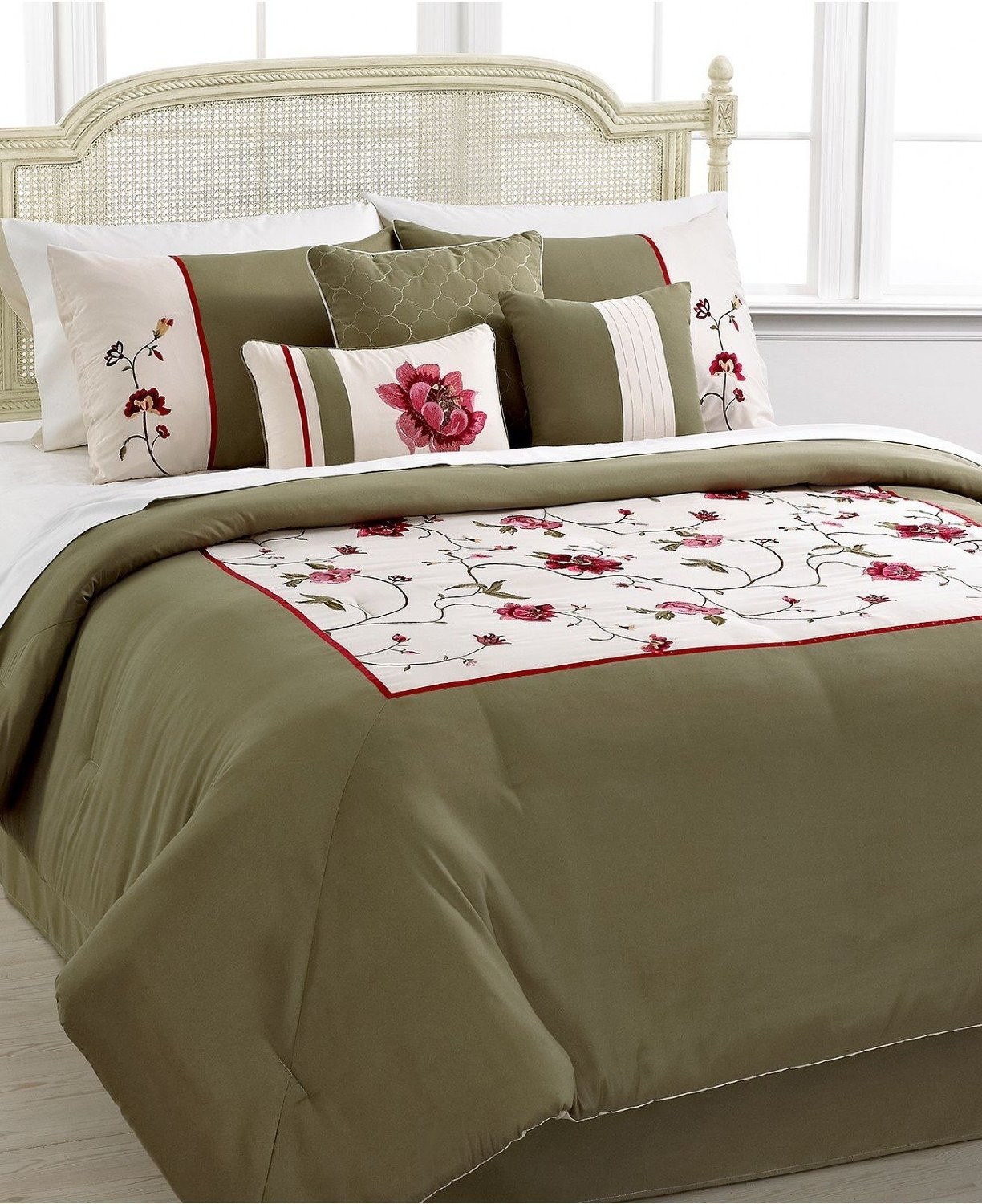 Best ideas about Roses Bedroom Set . Save or Pin Hallmart Vineyard Rose 7 Piece King Embroidered forter Now.