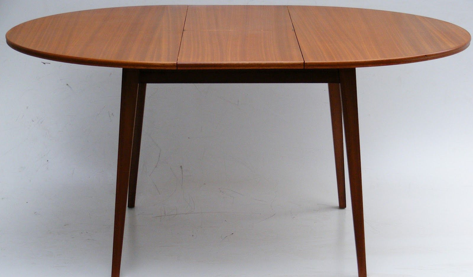 Best ideas about Round Extendable Dining Table . Save or Pin Dining Room Cool Ideas For Dining Room Design Using Oak Now.