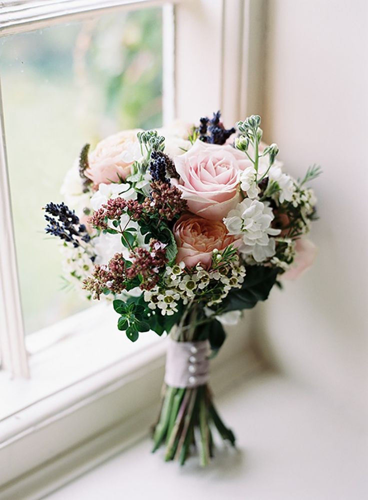 Best ideas about Simple Wedding Bouquets DIY . Save or Pin Best 25 Bouquets ideas on Pinterest Now.