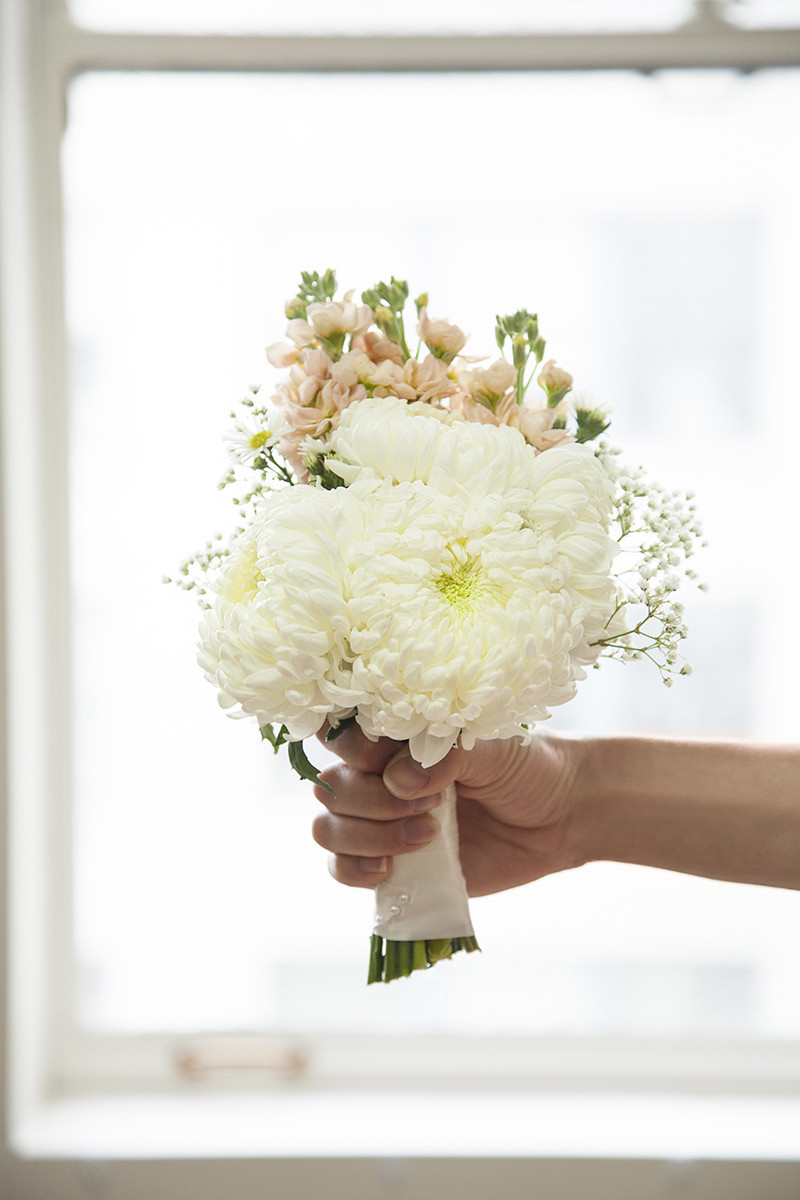 Best ideas about Simple Wedding Bouquets DIY . Save or Pin Build Your Own Wedding Bouquet With This Easy DIY Now.
