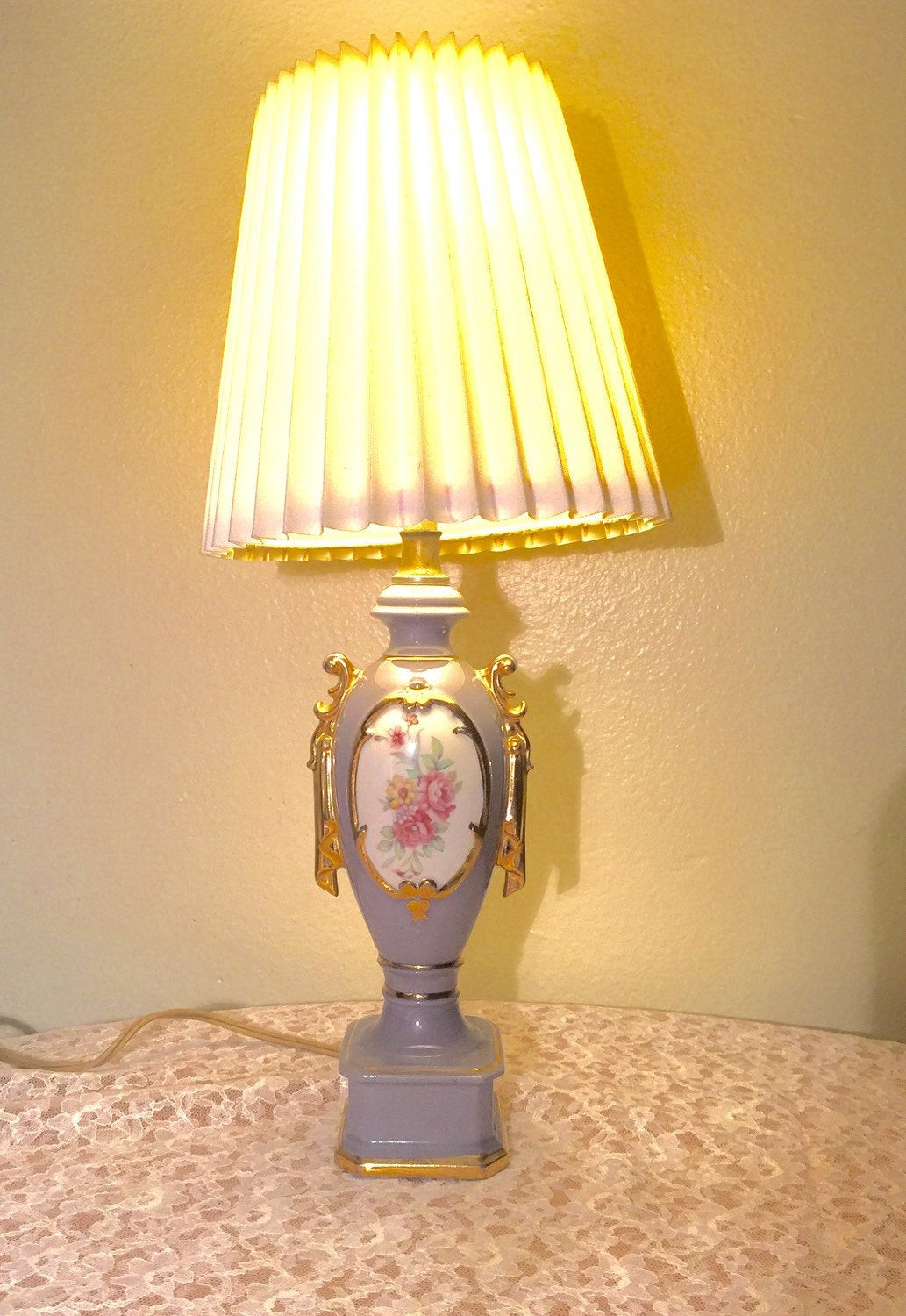 Best ideas about Small Desk Lamp . Save or Pin Vintage Ceramic Desk Lamp Small Now.