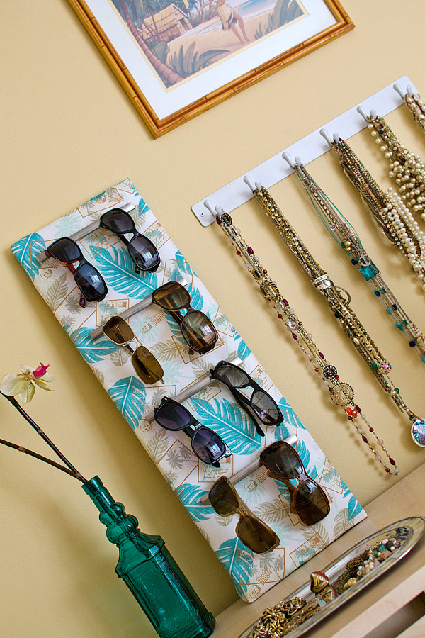 Best ideas about Sunglass Organizer DIY . Save or Pin Remodelaholic Now.