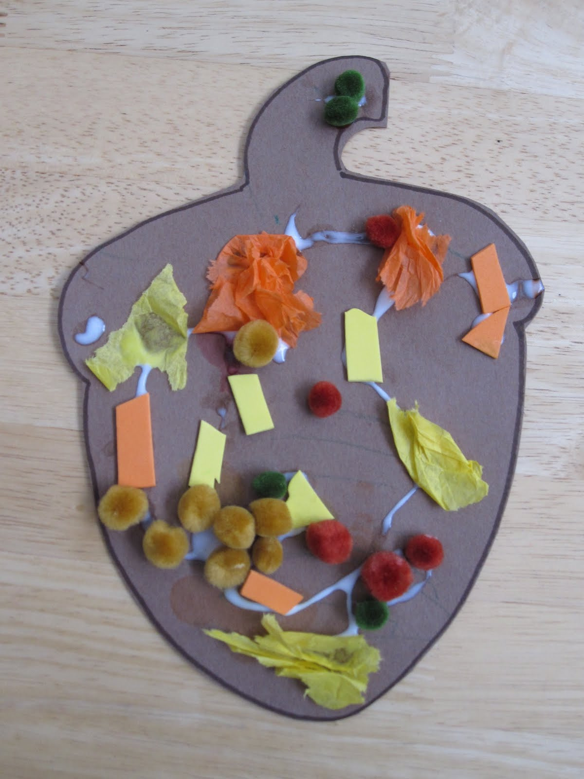 Best ideas about Toddler Craft Ideas 2 Year Old . Save or Pin Toddler Approved Easy Peasy Fall Collages Now.