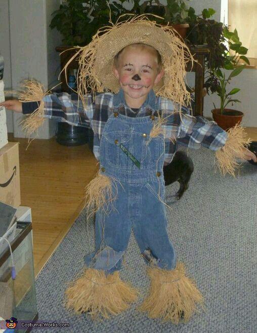 Best ideas about Toddler Scarecrow Costume DIY . Save or Pin Espantapájaros disfrazes para niños Now.