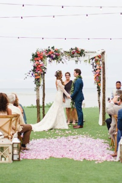 Best ideas about Wedding Arches DIY . Save or Pin 11 Beautiful DIY Wedding Arches Now.