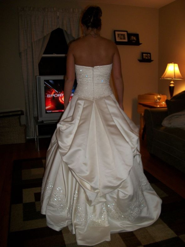 Best ideas about Wedding Dress Bustle DIY . Save or Pin 229 best Wedding Bustles images on Pinterest Now.