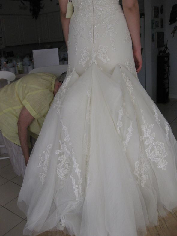 Best ideas about Wedding Dress Bustle DIY . Save or Pin this one has embroidry & tulle it doesn t look too bad Now.