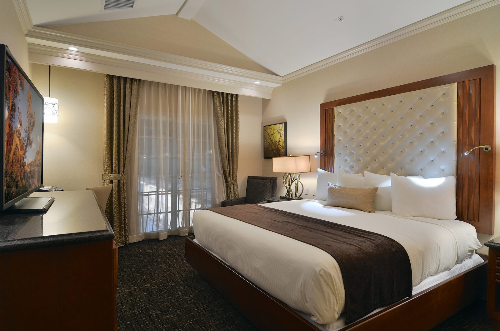 Best ideas about 2 Bedroom Suites . Save or Pin Hotel Rooms With Two Bedrooms Now.