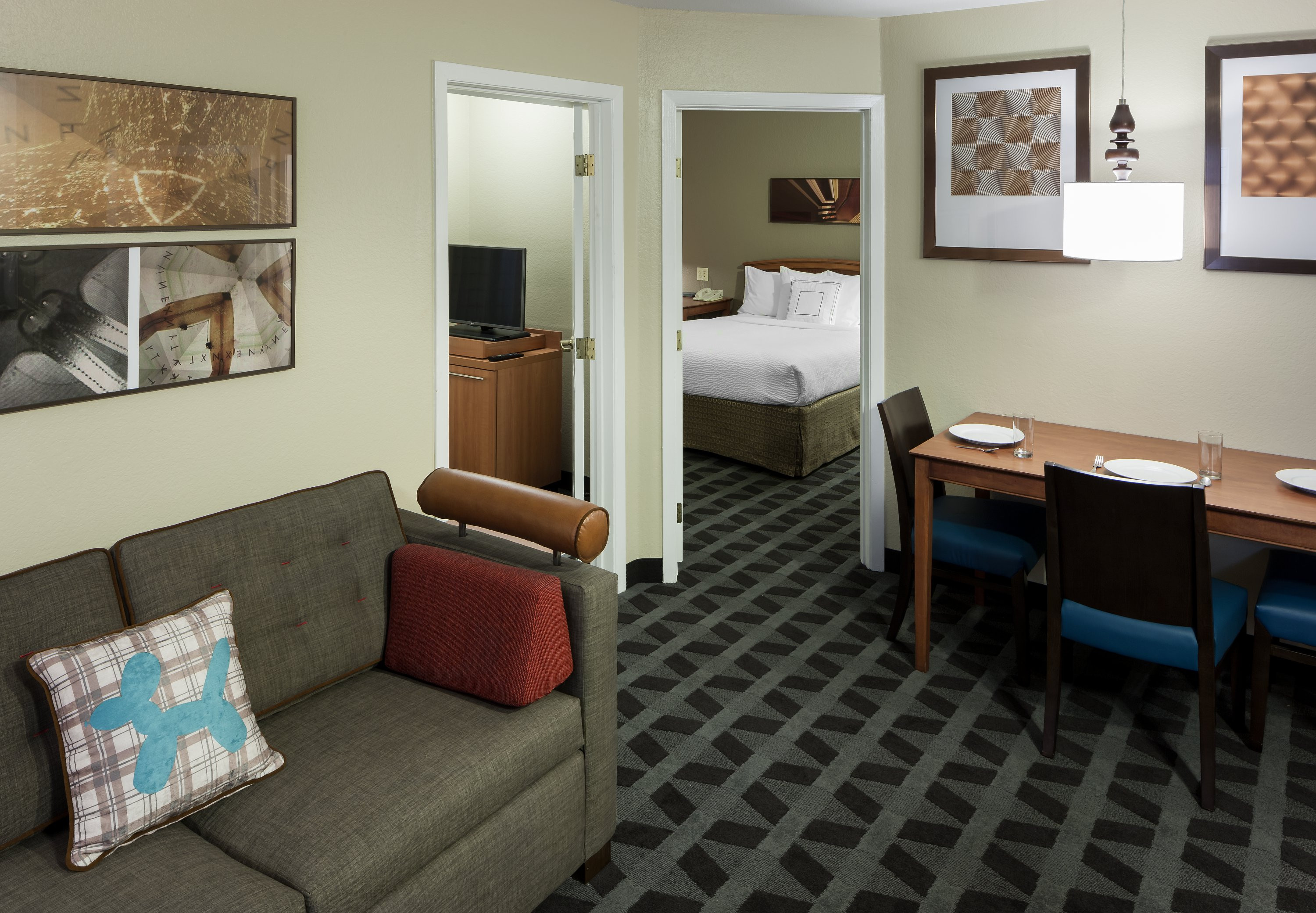 Best ideas about 2 Bedroom Suites . Save or Pin Hotels Near Six Flags In Arlington TX Now.