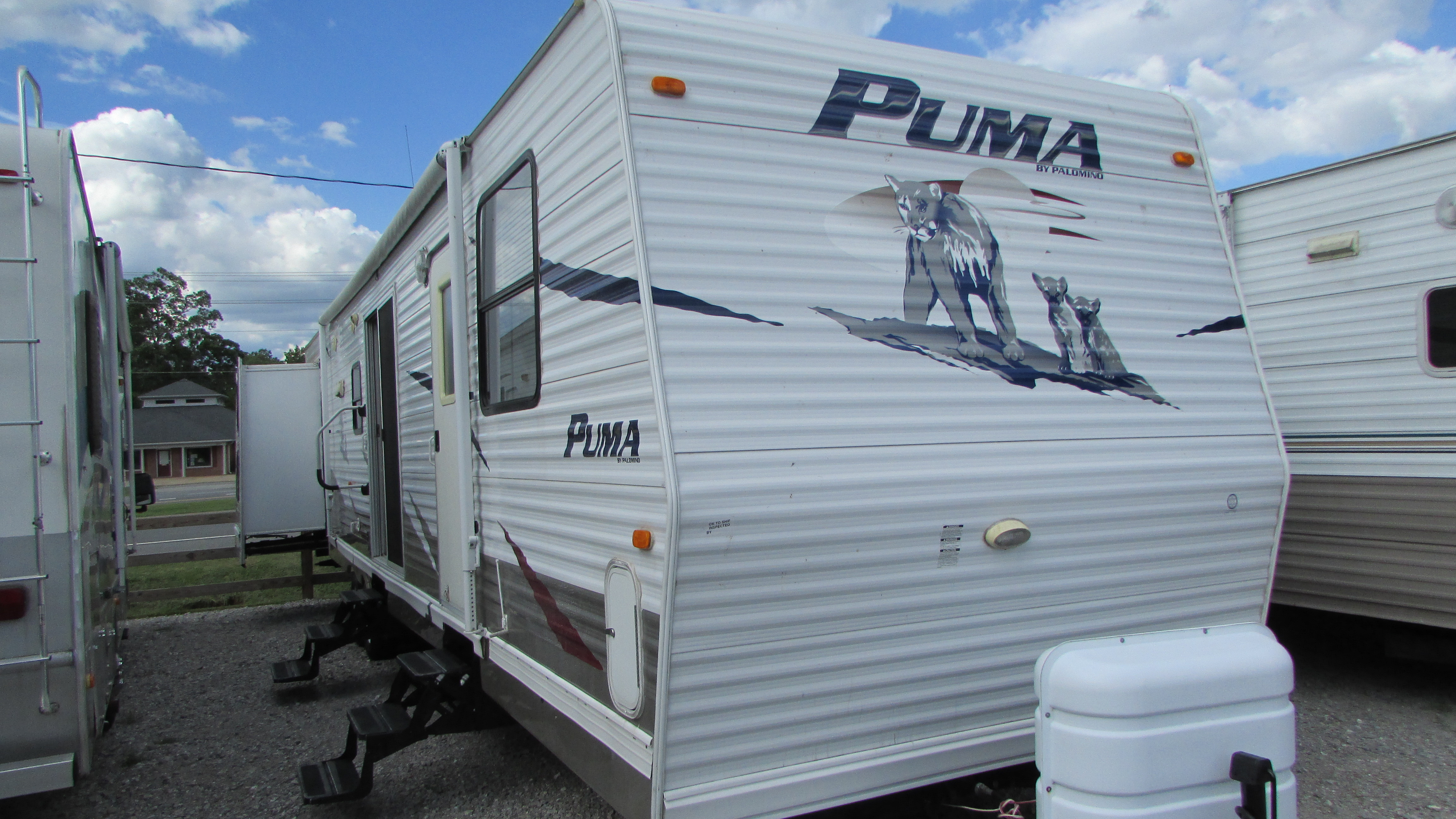 Best ideas about 2 Bedroom Travel Trailer . Save or Pin 2009 Palomino Puma 39PTDBSS Destination Travel Trailer 3 Now.