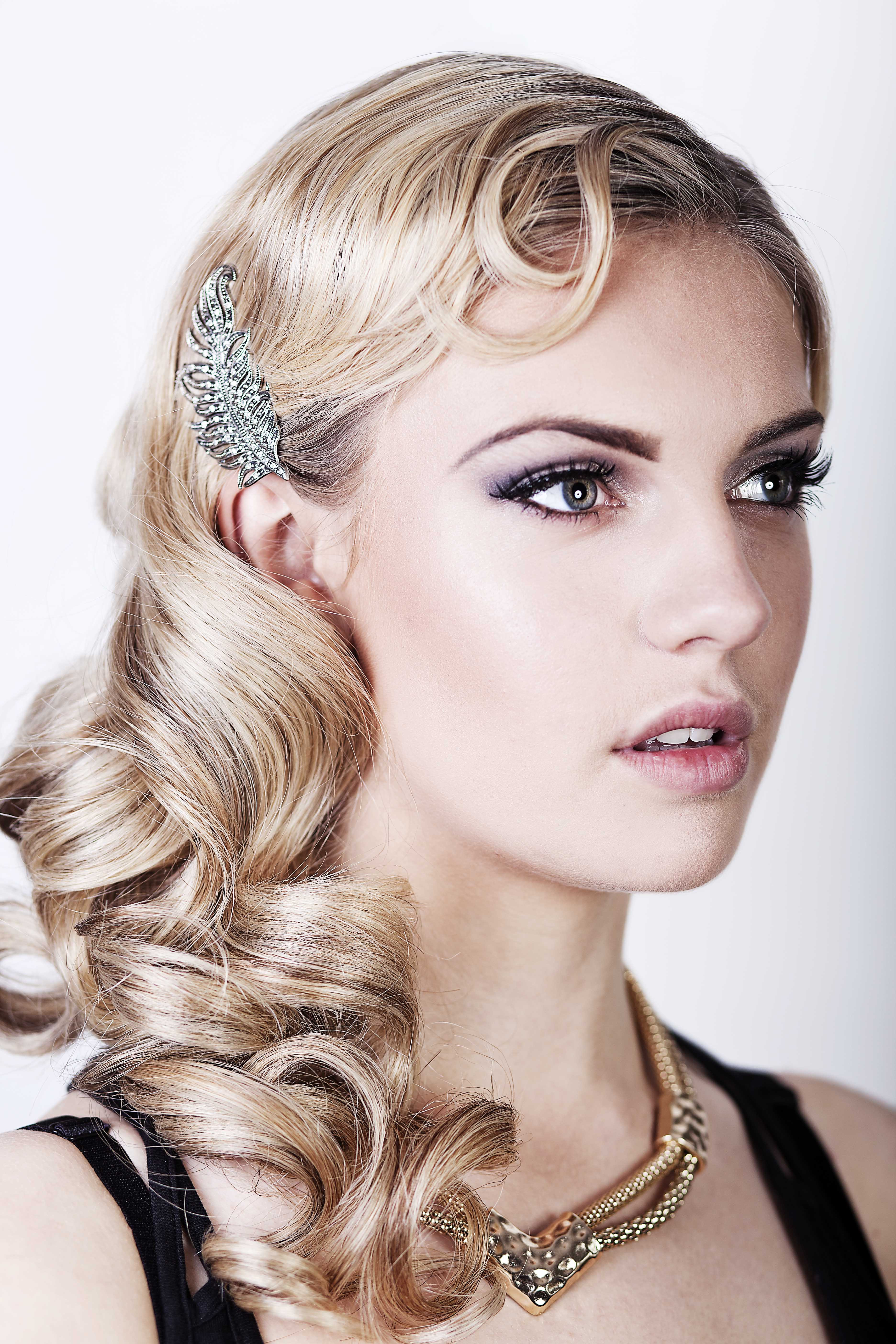 Best ideas about 20S Long Hairstyle . Save or Pin Friday Feature Seriously Great Gatsby 20s inspired hair Now.