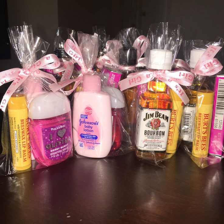 Best ideas about Baby Shower Game Gift Ideas . Save or Pin baby shower favors for guests women s Burt s Bees lip Now.