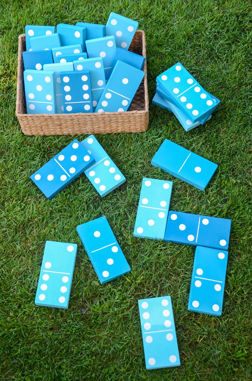 Best ideas about Backyard Games DIY . Save or Pin 17 DIY Games for Outdoor Family Fun Now.