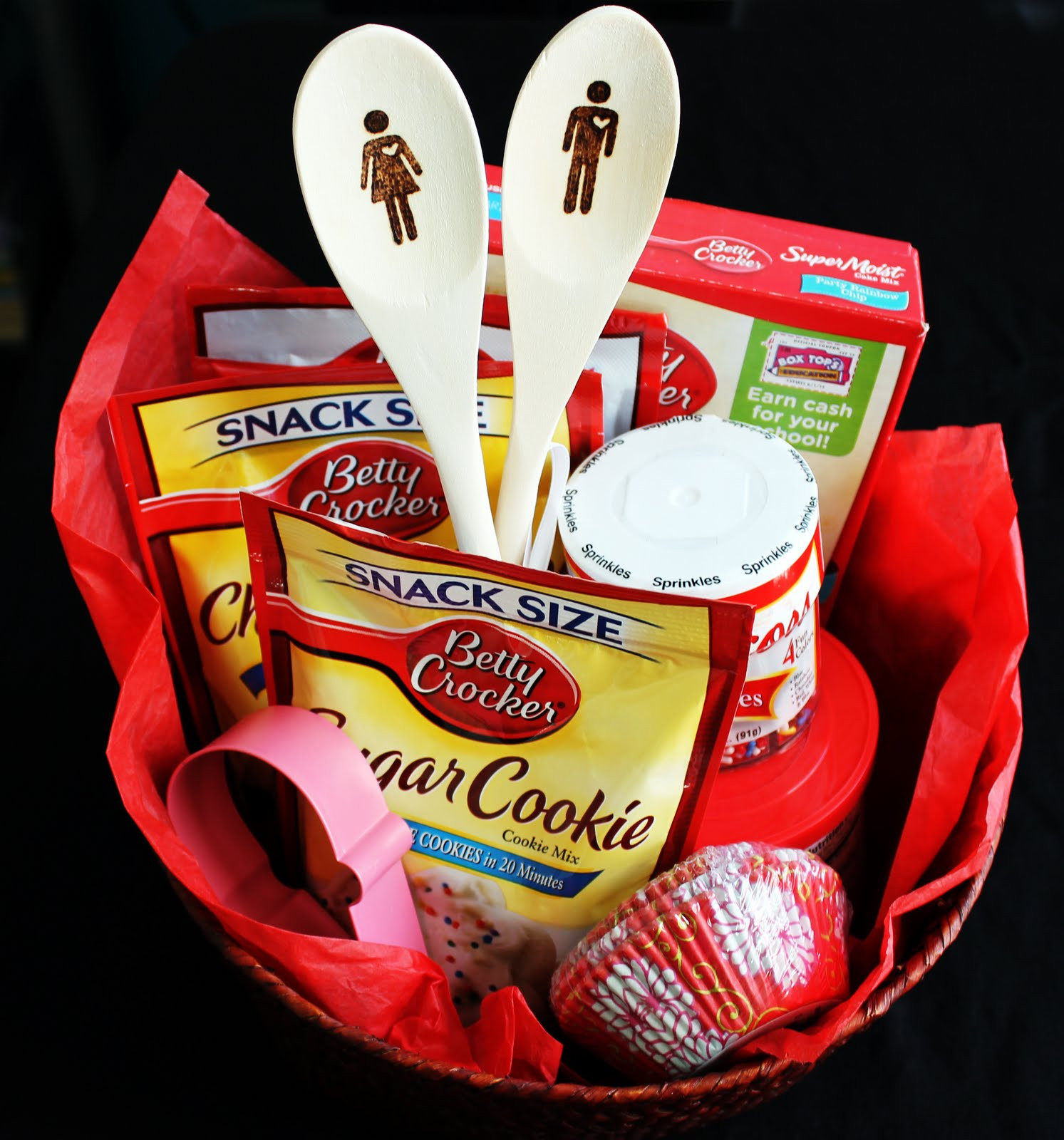 Best ideas about Baking Gift Ideas . Save or Pin Tiffzippy just zipping through DIY Baking Gift Basket Now.