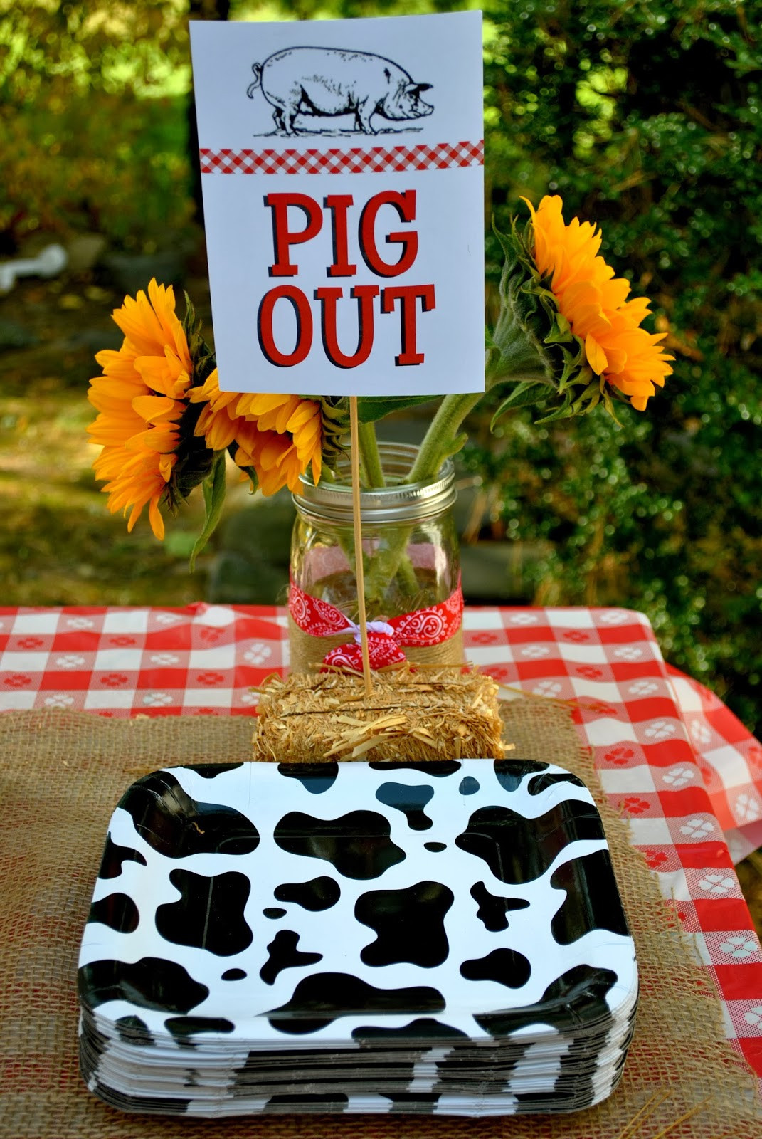 Best ideas about Barn Birthday Party . Save or Pin shabou Harper s Barnyard Bash Now.