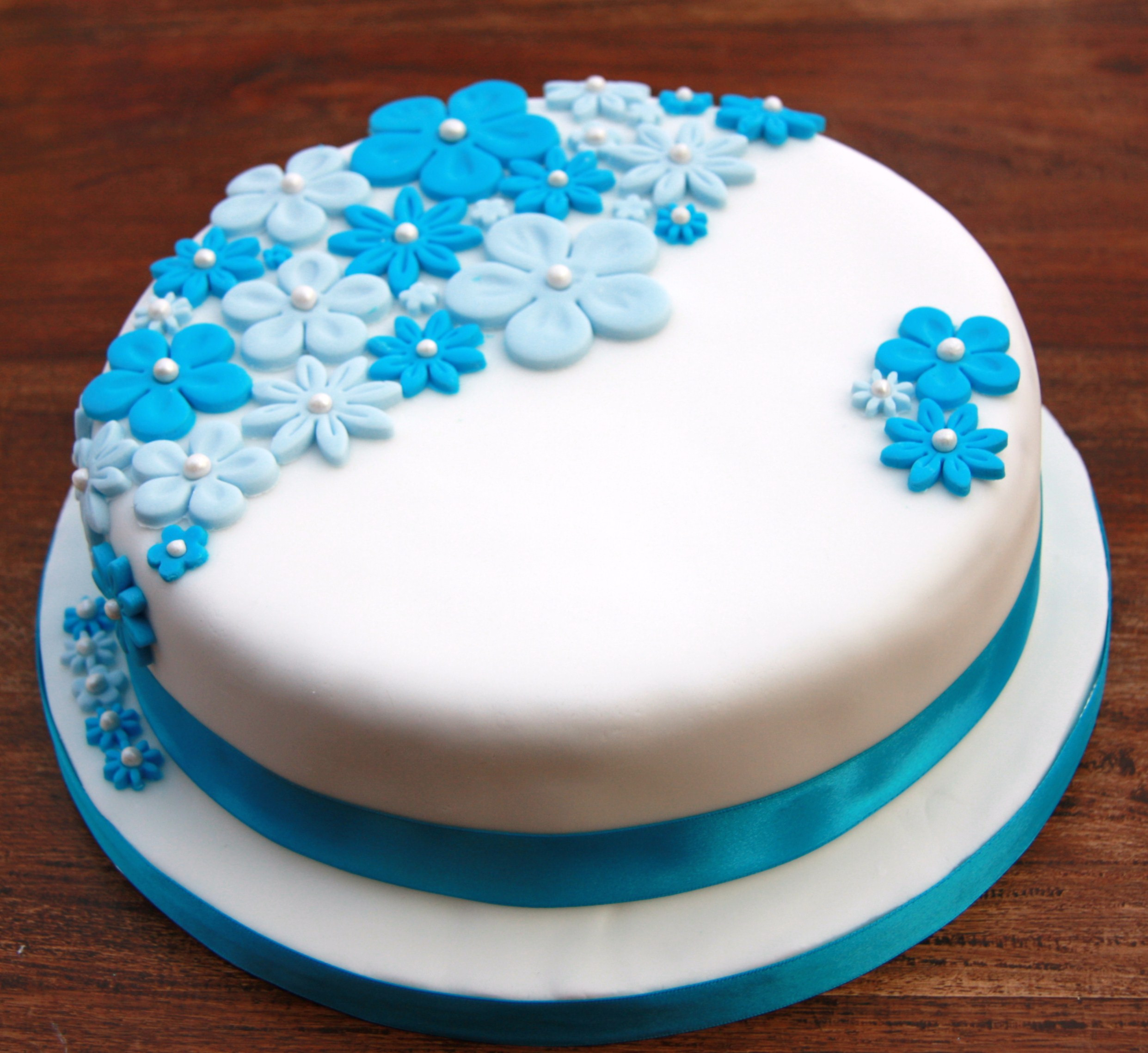 Best ideas about Blue Birthday Cake . Save or Pin Birthday Cake with Blue Flowers – lovinghomemade Now.