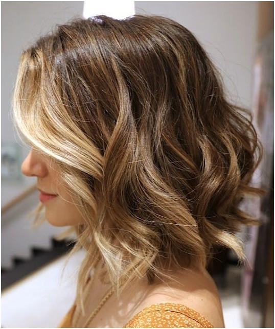 Best ideas about Bob Haircuts For Wavy Hair . Save or Pin 12 Stylish Bob Hairstyles for Wavy Hair PoPular Haircuts Now.