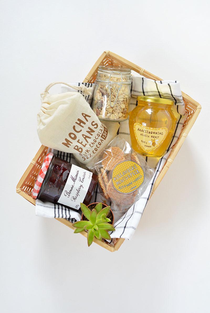 Best ideas about Breakfast Gift Basket Ideas . Save or Pin DIY breakfast in a box t idea Now.