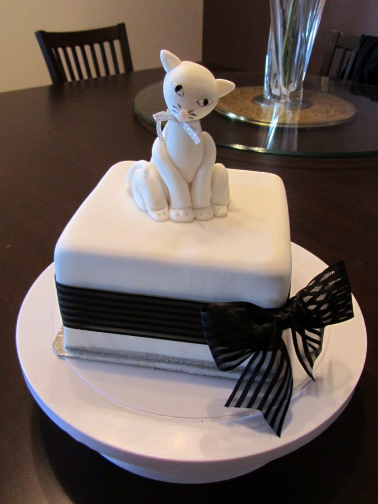 Best ideas about Cat Birthday Cake . Save or Pin 17 Awesome Cat Cake Ideas For Cat Lovers Trends and Life Now.